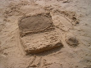 sand-laptop (2)